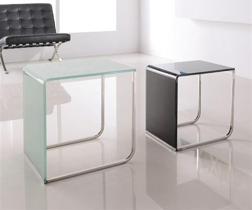 Mesas auxiliares modernas de cristal 2 mesas nido la for Mesas auxiliares clasicas